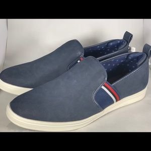 Navy blue boat shoes!